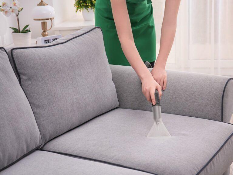 تمیز کردن لکه های مبل پارچه ای