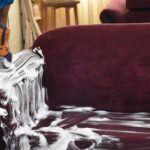 با شستشوی مبل در منزل، مبلمانی همیشه تمیز داشته باشید.